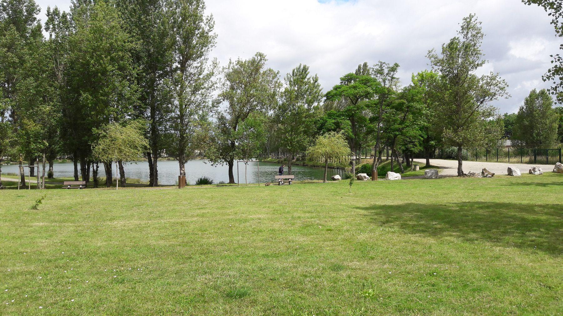Espaces verts et espaces naturels aucamville for Centre claude robillard piscine horaire
