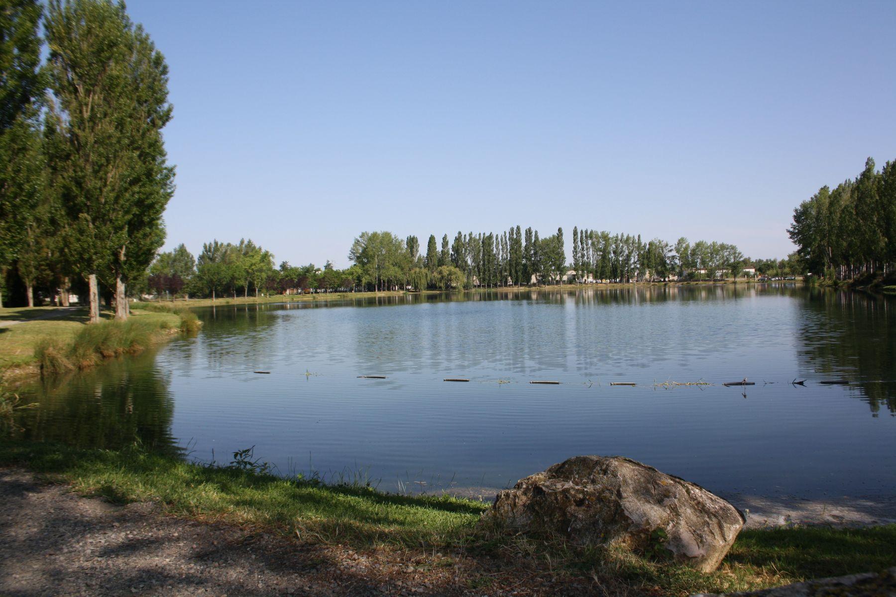 Espaces verts et espaces naturels aucamville for Claude robillard piscine horaire