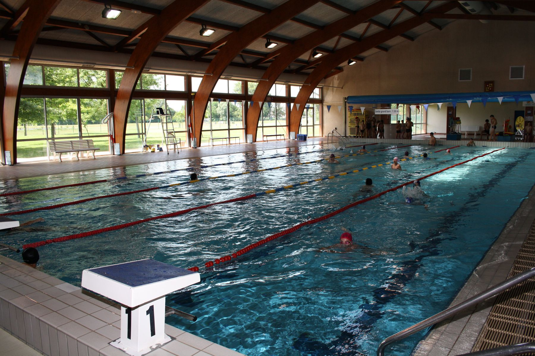 Quipements sportifs aucamville for Piscine saint alban
