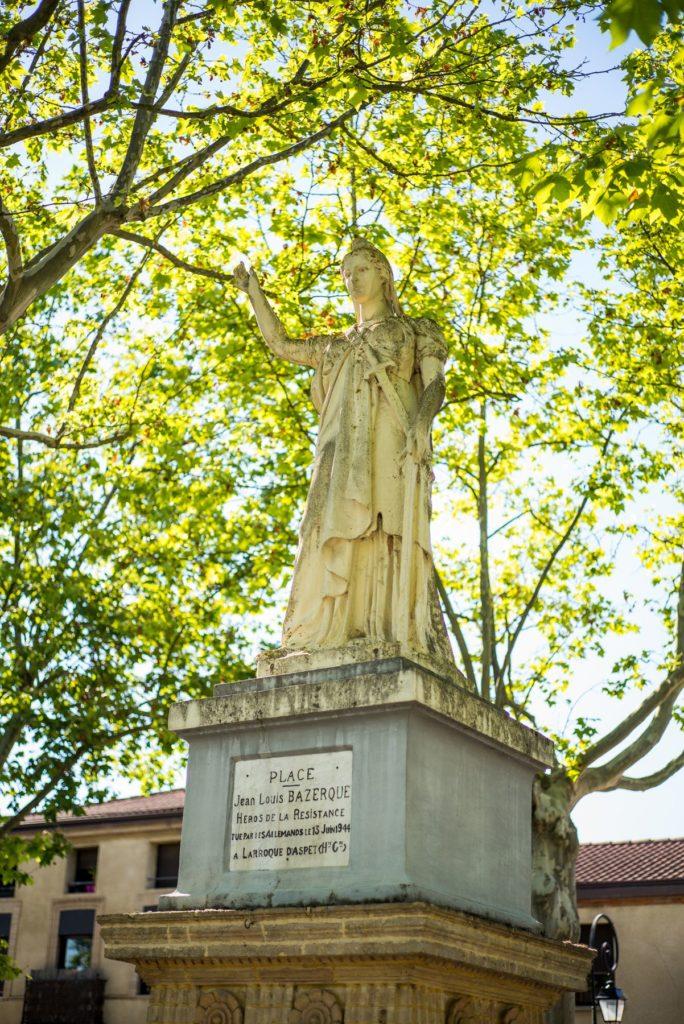 Monument en mémoire de Jean Louis Bazerque héros de la résistance