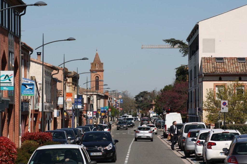 Route de Fronton et centre d'Aucamville en arrivant de Toulouse